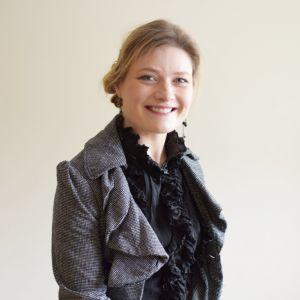 Ms Amanda Pettman